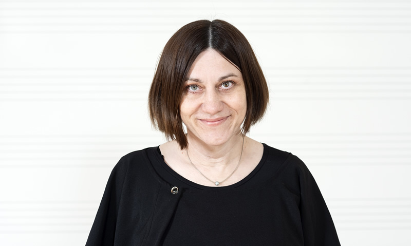 Nina Mihaliček, prof., violina